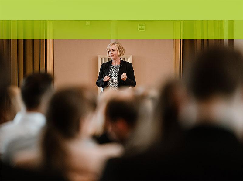 Keynotes buchbar in Englisch und Deutsch